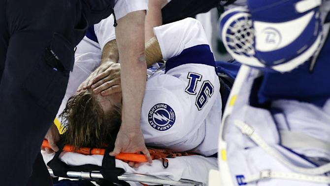 Stamkos has surgery for broken leg