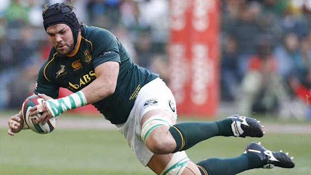 South Africa's Flip van der Merwe trips during their Rugby Championship match against Australia in Cape Town, September 28, 2013 (Reuters)