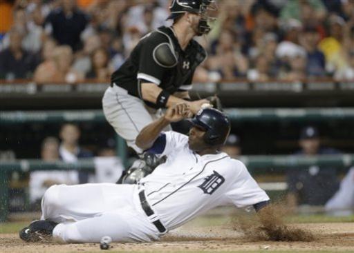 Benoit, Tigers beat White Sox 8-5