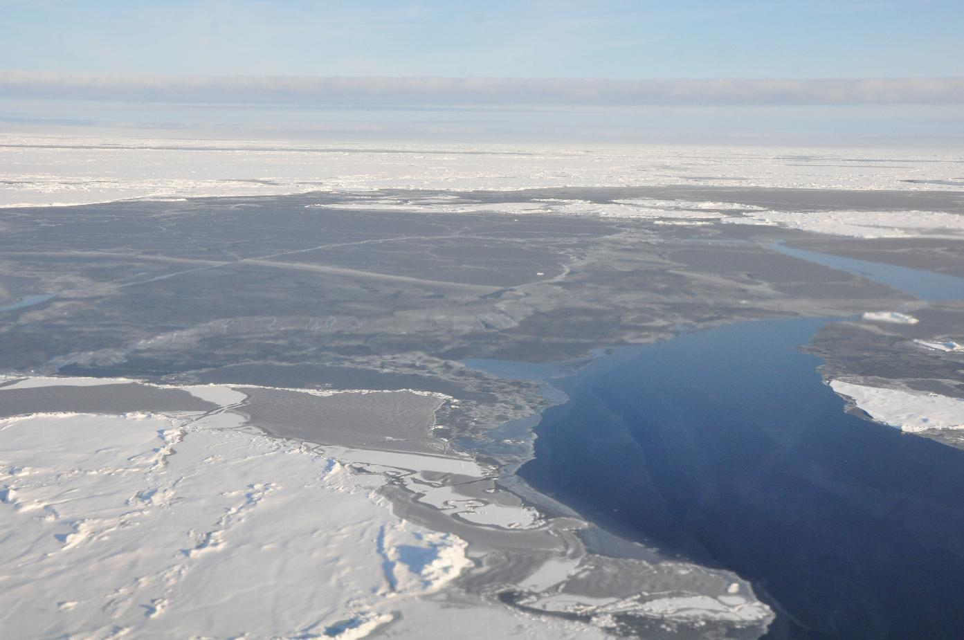 Report: Arctic loses snow, ice; absorbs more heat