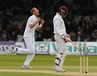 Stuart Broad (left)