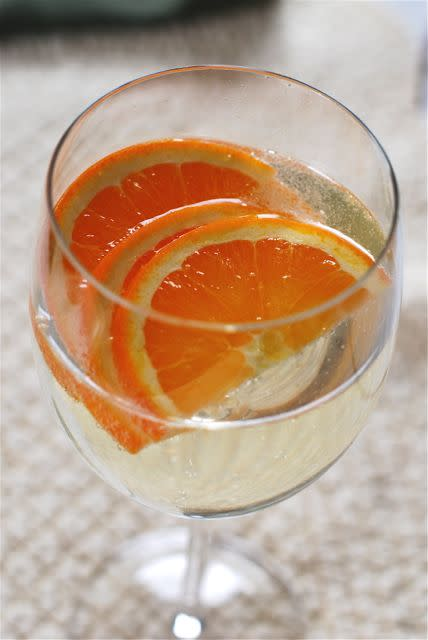 Fruity White Wine Spritzer