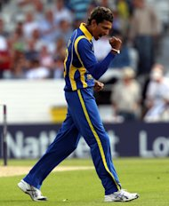 Suraj Randiv's three wickets helped Sri Lanka to victory