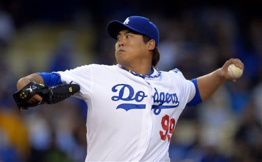 Dodgers' Ryu whiffs 12 with pop star PSY on hand