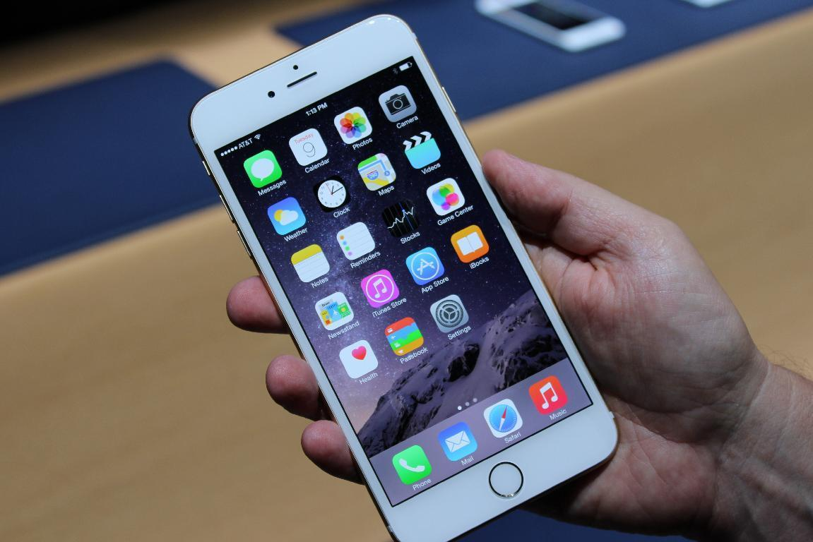 Here's one iPhone lock screen security exploit you shouldn't worry about