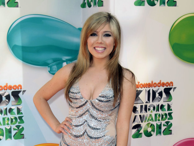 "FILE - This March 31, 2012 file photo shows actress Jennette McCurdy at Nickelodeon's 25th Annual Kids' Choice Awards in Los Angeles. Nickelodeon's hit show ""iCarly"" made McCurdy a star and now that the show will air its series finale in November, the 20-year-old doesn't have to worry about what comes next. The network has tapped her and actress Ariana Grande to star in a spinoff tentatively called ""Sam & Cat."" The series will follow the girls' characters, Sam Puckett from ""iCarly"" and Cat Valentine from ""Victorious"", as they become roommates and start a babysitting business. (AP Photo/Jason Redmond, file)"
