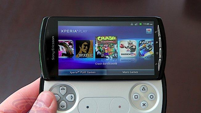 Sony confirms Xperia Play will remain on Gingerbread due to gaming issues