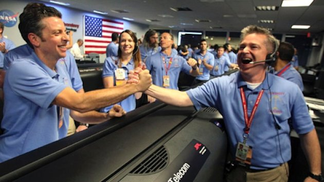 Mars Landing: NASA&#39;s Curiosity Rover Safely Touches Down (ABC News)