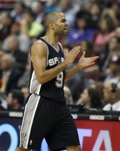 Parker scores 37, leads Spurs over 76ers 100-90