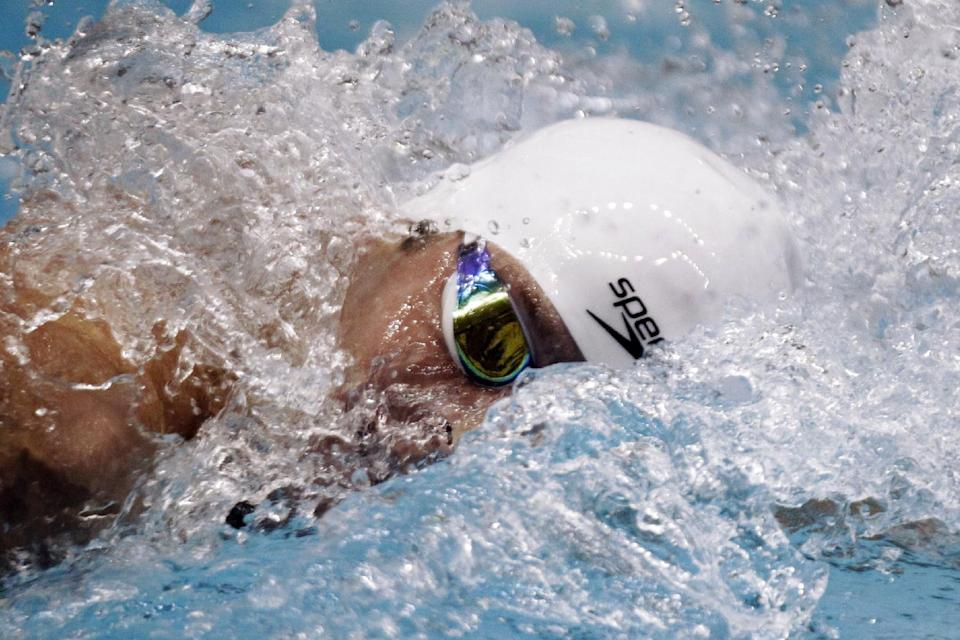 Scott Clary competes in the 400-meter freestyle at the Indianapolis Grand Prix swimming meet in Indianapolis, Thursday, March 29, 2012. (AP Photo/Michael Conroy)