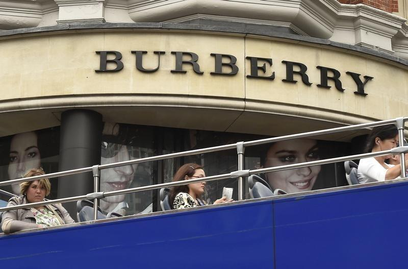 Burberry, Tom Ford align runway shows with retail availability