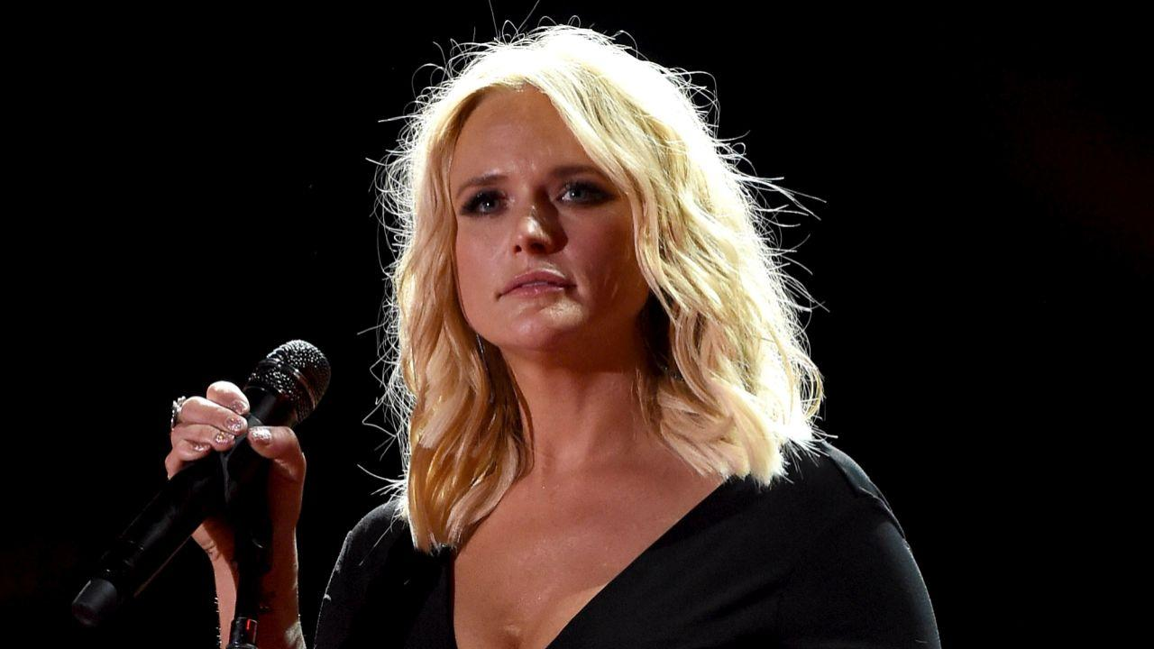 Miranda Lambert Brought to Tears By Soldier's Heartfelt Sign -- See What He Said!