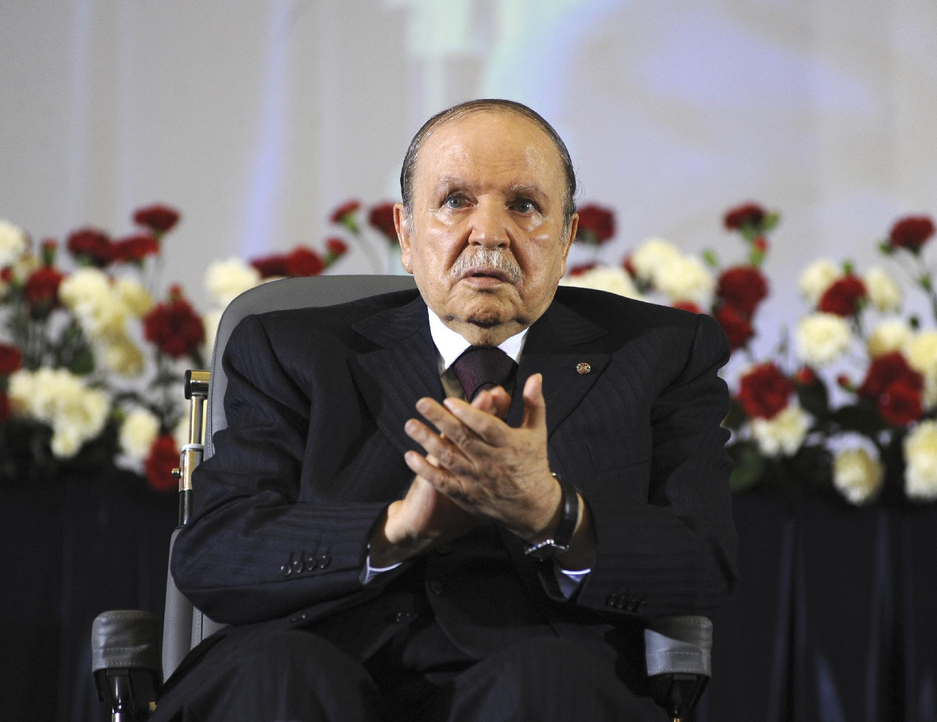 Algeria sees leadership vacuum in face of oil challenges