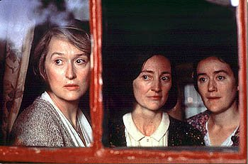 Brid Brennan , Meryl Streep and Sophie Thompson in Dancing At Lughnasa