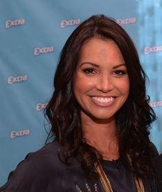 Extra(R) Gum Teams Up With Melissa Rycroft to Encourage Simple Swaps