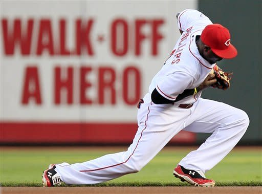 Bruce's HR leads Reds over Phillies 2-1