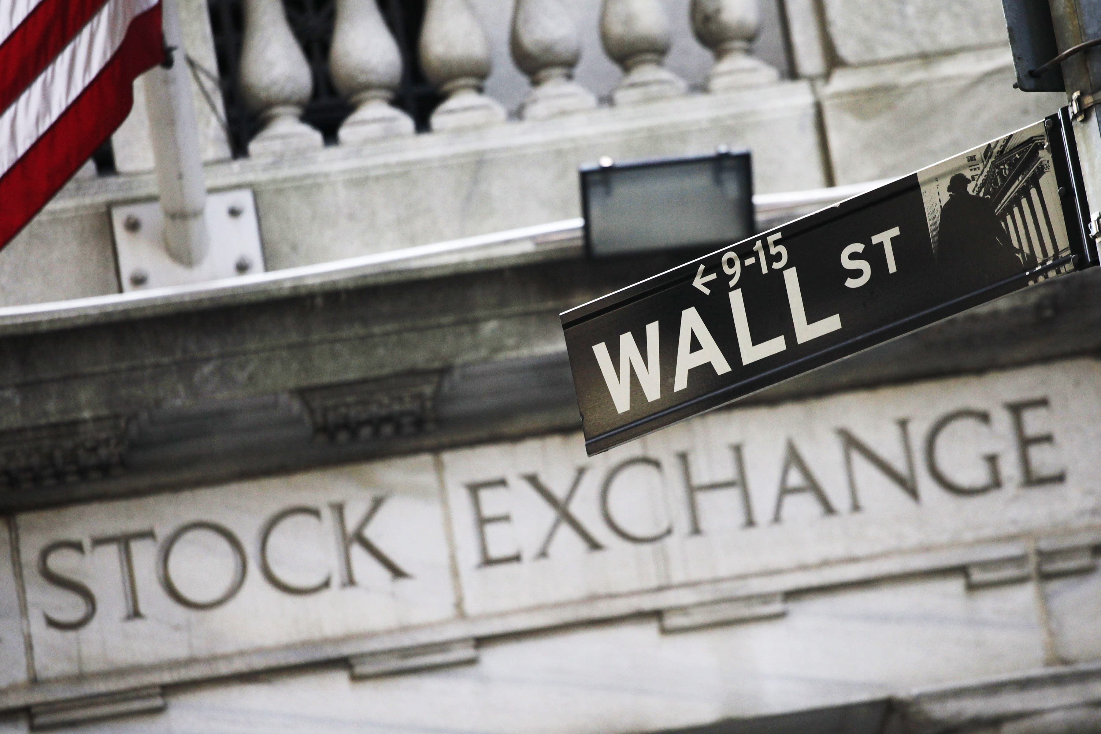 Global stocks wobble as markets await comment from Yellen