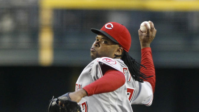 Cueto pitches Reds to 5-0 win over D-backs