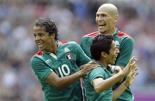 Dos Santos leads Mexico past Senegal in Olympics