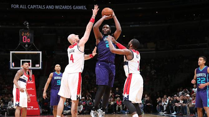 Jefferson has 18 and 12; Hornets stay hot, top Wizards 92-88