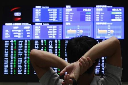 China helps shares stabilize but U.S., Greek woes persist