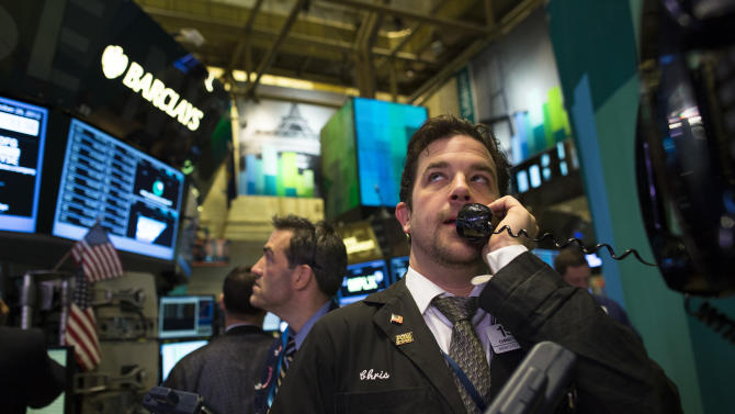 US stocks rise on strong economic data