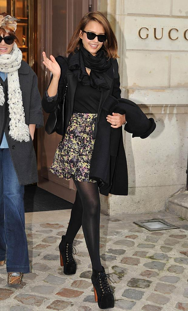 Jessica Alba Paris Shopping