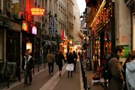 Why You Must Explore Paris On Foot