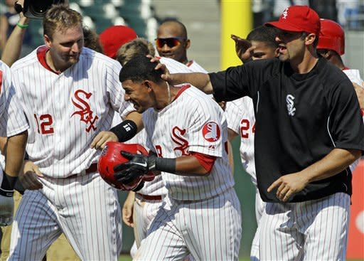 White Sox get 1-0 win in 10th, trade for Youkilis