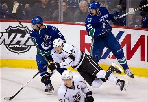 Kings edge Canucks 3-2 in shootout