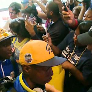 Jackie Robinson West All Stars receive homecoming grand salute