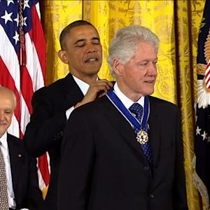Obama awards Presidential Medal of Freedom