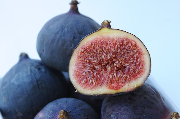 Five health benefits of figs and a dairy-free spread recipe