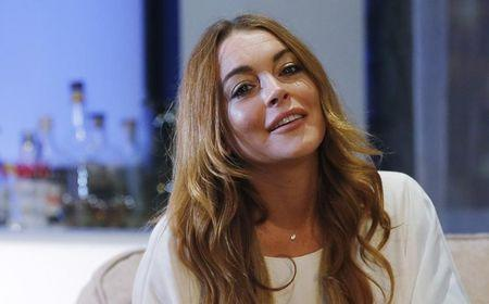 Actress Lindsay Lohan taken off probation in driving case, prosecutor says