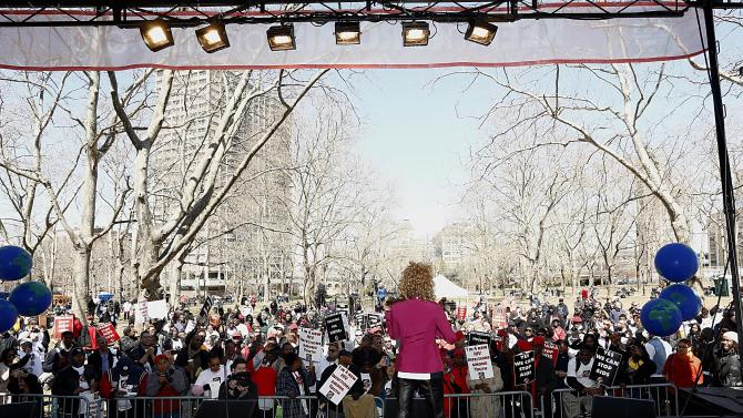 """Grammy Award-winning violinist Miri Ben-Ari performs at the AIDS Healthcare Foundation's """"Keep The Promise On AIDS"""" March and Rally on Saturday, April 6, 2013, in New York, NY. The """"Keep the Promise"""" campaign brings together advocates along with entertainers and spiritual and political leaders to remind elected officials that the fight against HIV/AIDS is not yet won. (Brian Ach /AP Images for AIDS Healthcare Foundation)"""