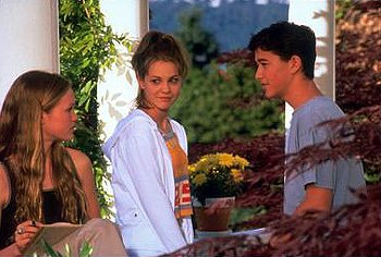 Larisa Oleynik, Julia Stiles and Joseph Gordon-Levitt in 10 Things I Hate About You
