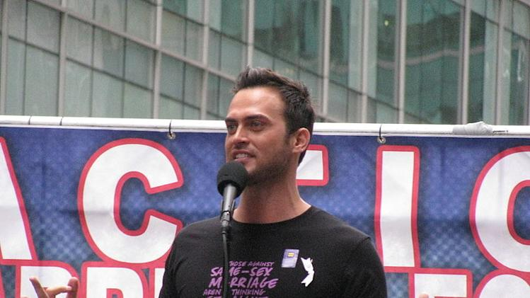Cheyenne Jackson at a New York rally for same-sex marriage equality on May 17, 2009