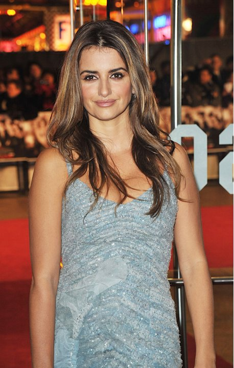 Nine UK Premiere 2009 Penelope Cruz