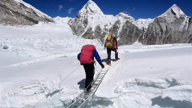Mountain brawl breaks out on Everest, climbers say