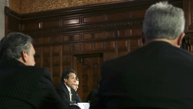 Cuomo proposes 3-year rate freeze in LIPA takeover