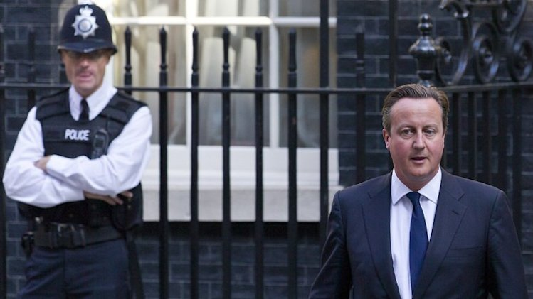 Prime Minister David Cameron leaves 10 Downing Street on September 4, 2013