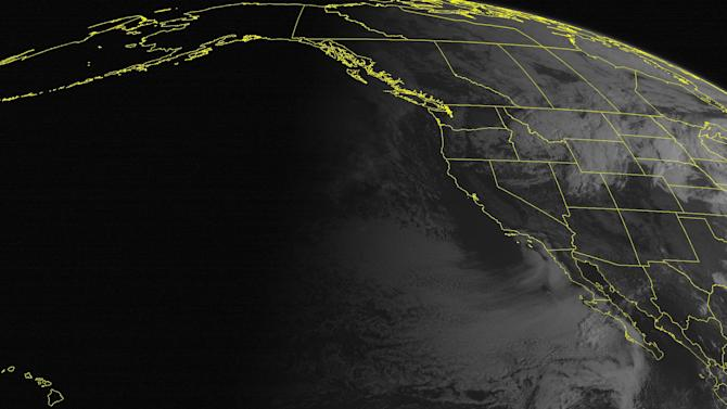 Heavy snow, thunderstorms moving into Midwest