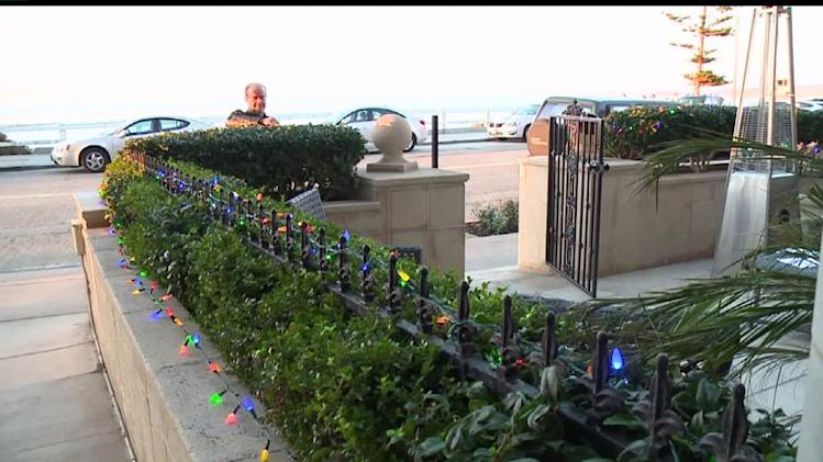 La Jolla Home Owner Fights His HOA Over XMAS Lights