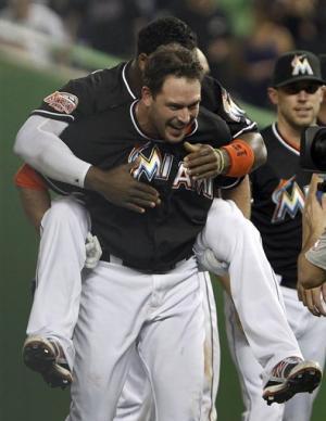 Dobbs drives in winner as Marlins beat Mets 6-5