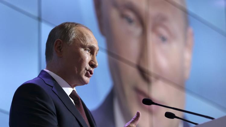 Putin says no discrimination of gays in Russia