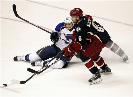 Steen scores 12th goal, Blues beat Coyotes 3-2