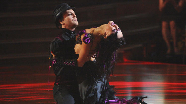 Gavin DeGraw and Karina Smirnoff (4/09/12)