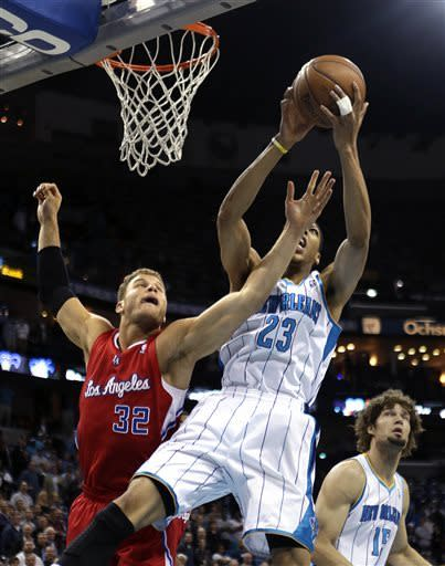 Griffin leads Clippers past Hornets, 105-91