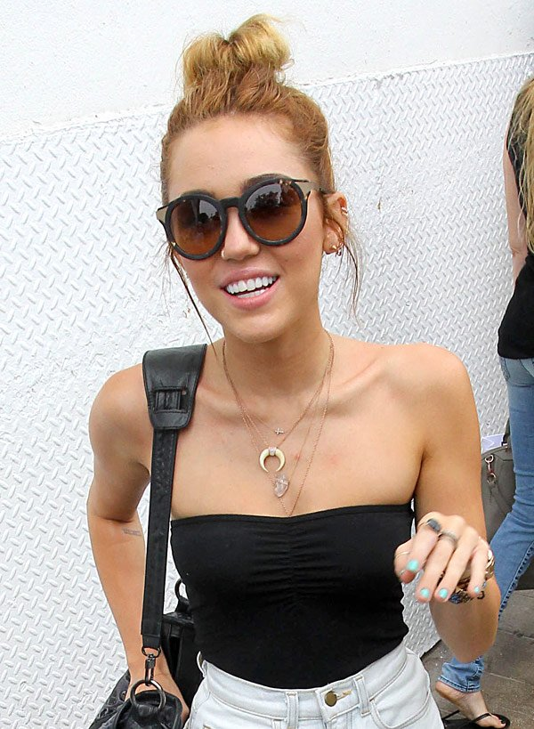 Get Miley Cyrus's Pretty Blue Nails