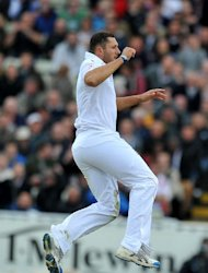 Tim Bresnan removed both Derbyshire openers at Headingley